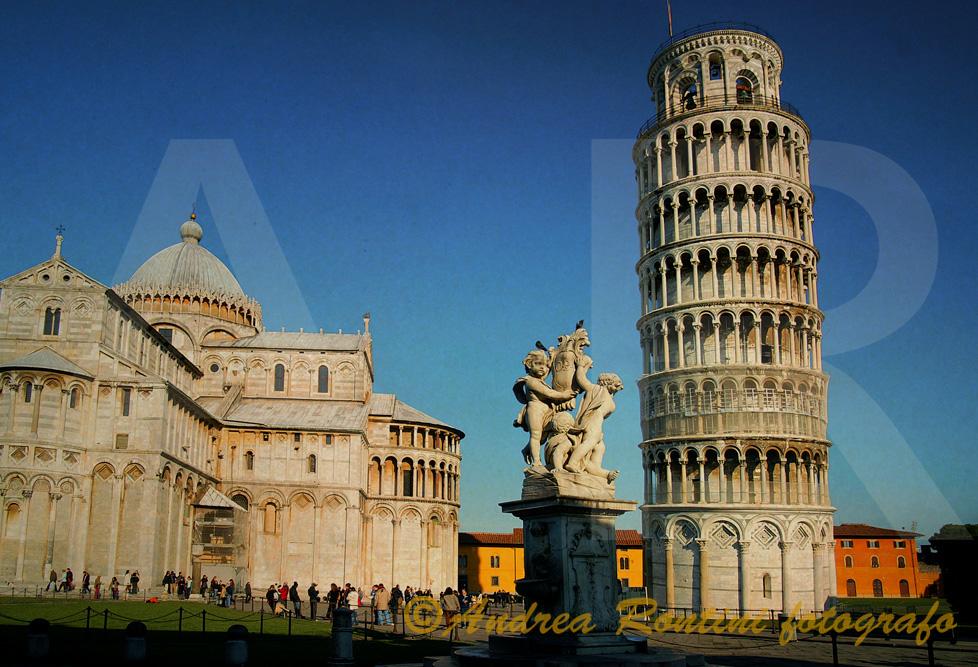 Cod.PI-301 Pisa (Piazza dei Miracoli)-0